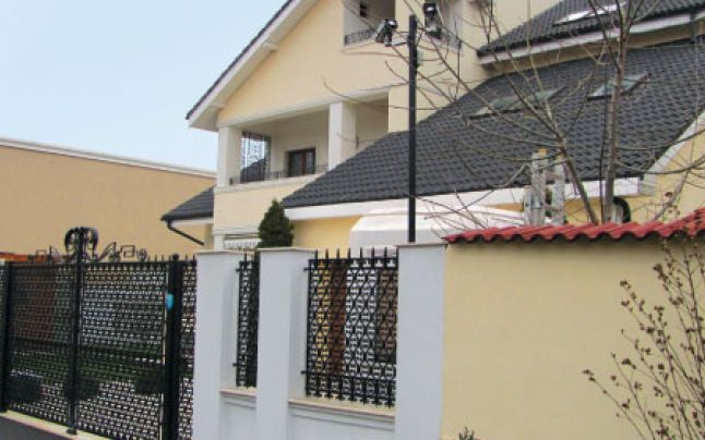 Casa cetateanului moldovean Plahotniuc / roman Ulinici din Pipera, pe celebra straza Iancu Nicolae
