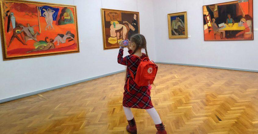 chis-muzeu-idrisse-girl